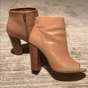 ❤️Beautiful leather side zip boot!!!